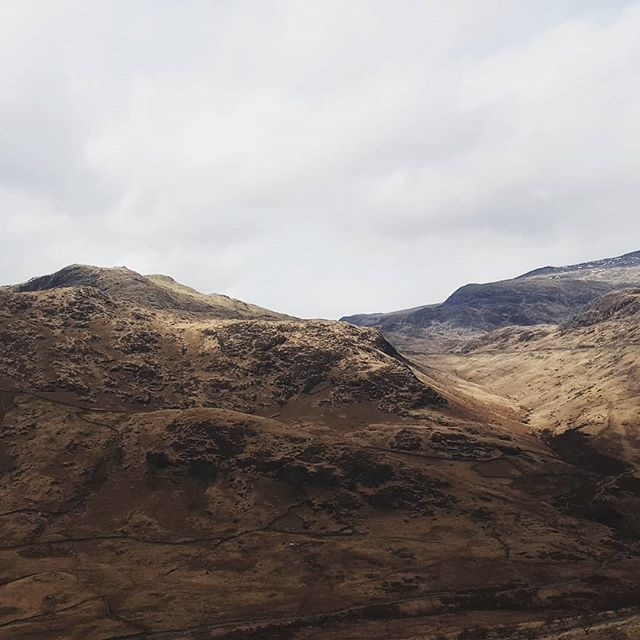 Already missing the mountains... . . . . . . #wonderfulplaces #artofvisuals #lifeofadventure #rsa_outdoors #theimaged #moodygrams #fiftyshadesdarker #friendsinshadowandlight #fingerprintofgod #deepestvisuals #photosofengland #rsa_ladies #sombrescapes #ig_countryside #gloomgrabber #wanderingteam #follow_the_grey_sky #explore_britain #roamtheplanet #majestic_earth #uk_greatshots #northwales #visual100 #moodynature #ournaturedays #visitwales #snowdonia
