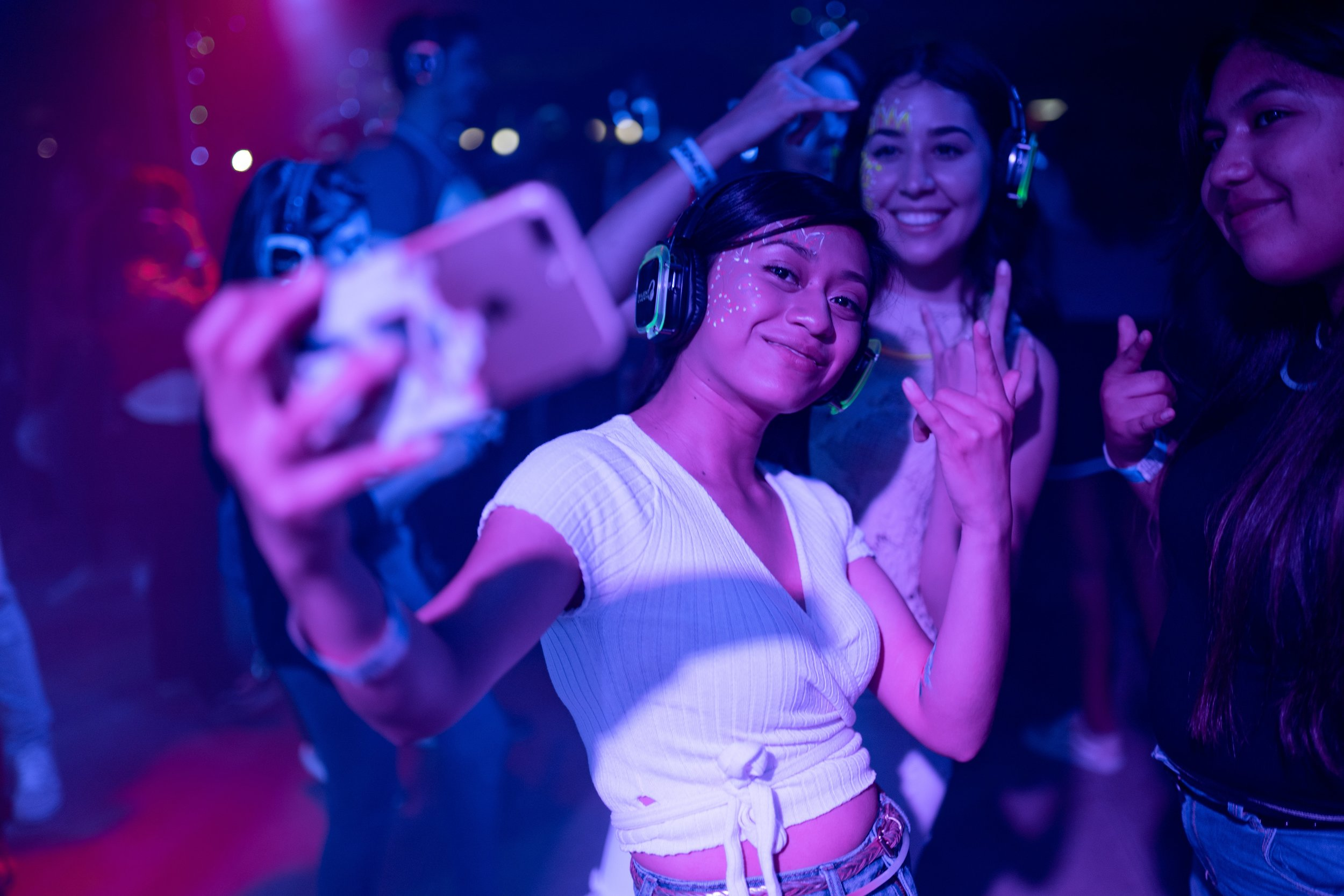 band-celebration-club-2240763.jpg