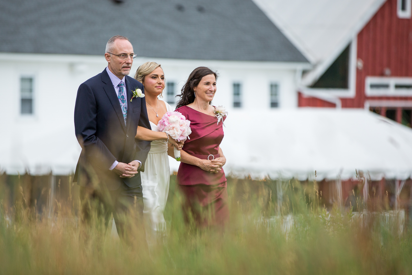 Four_Wings_Photography_Wedding_Red_Barn_at_Hampshire_College-25.jpg