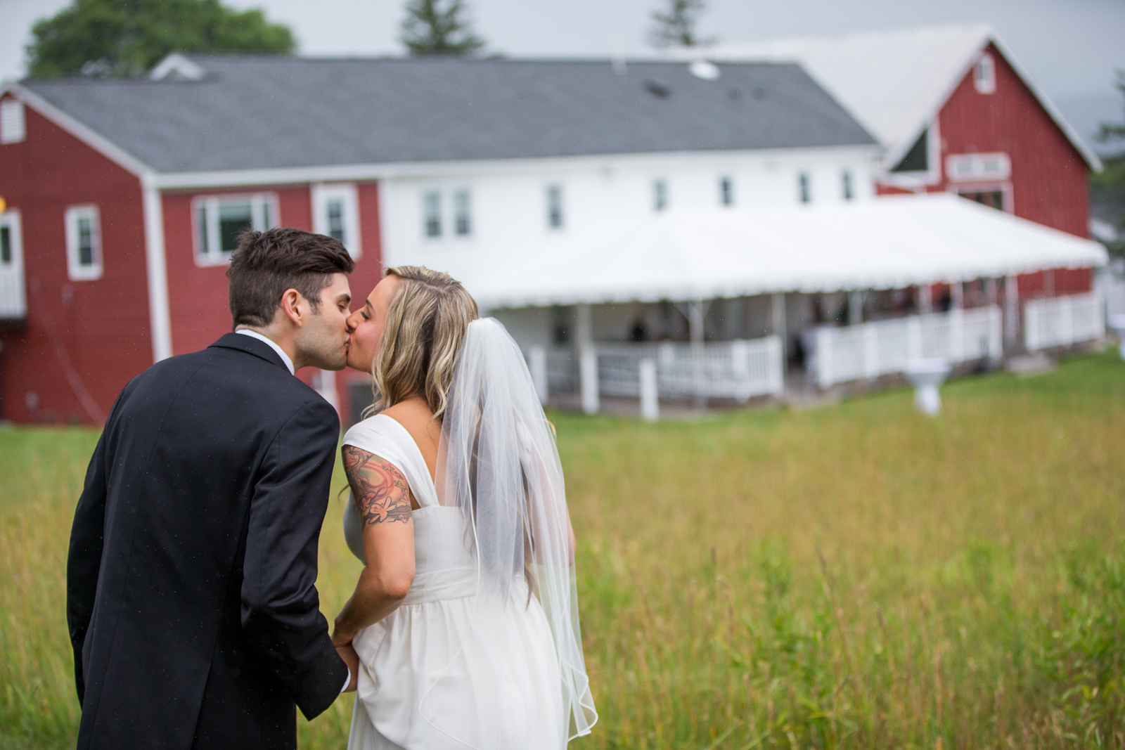 Four_Wings_Photography_Wedding_Red_Barn_at_Hampshire_College-31.jpg