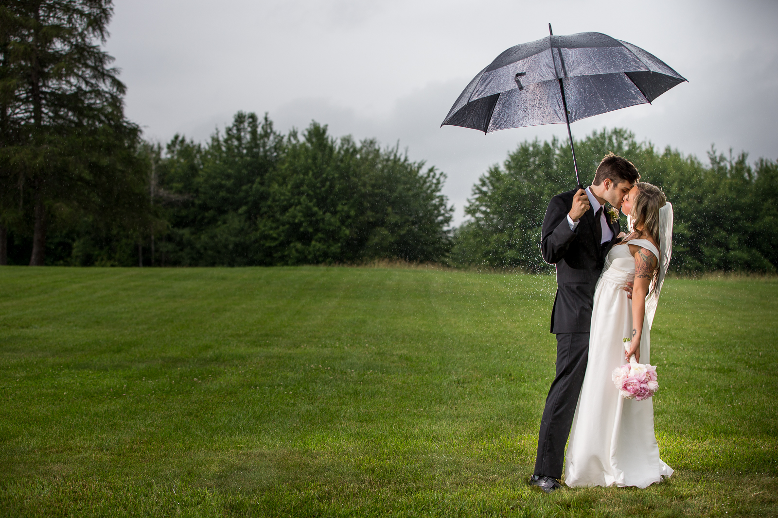 Four_Wings_Photography_Wedding_Red_Barn_at_Hampshire_College-33.jpg