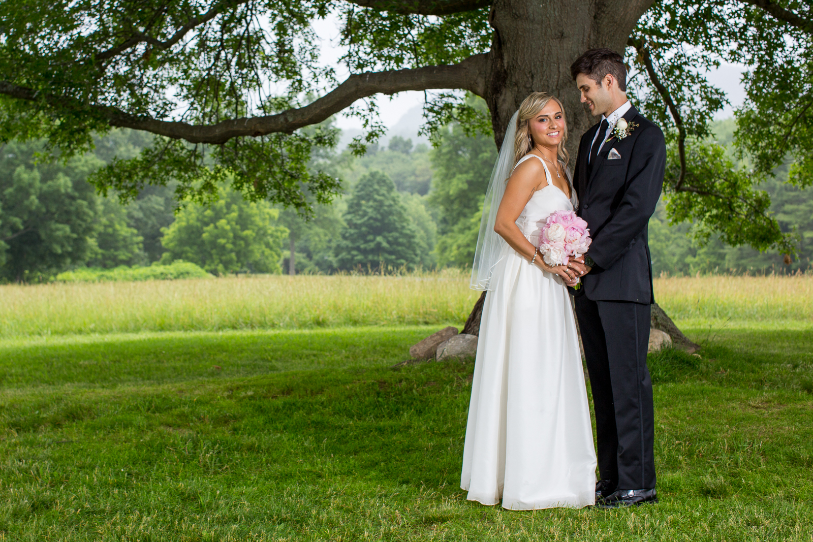 Four_Wings_Photography_Wedding_Red_Barn_at_Hampshire_College-34.jpg