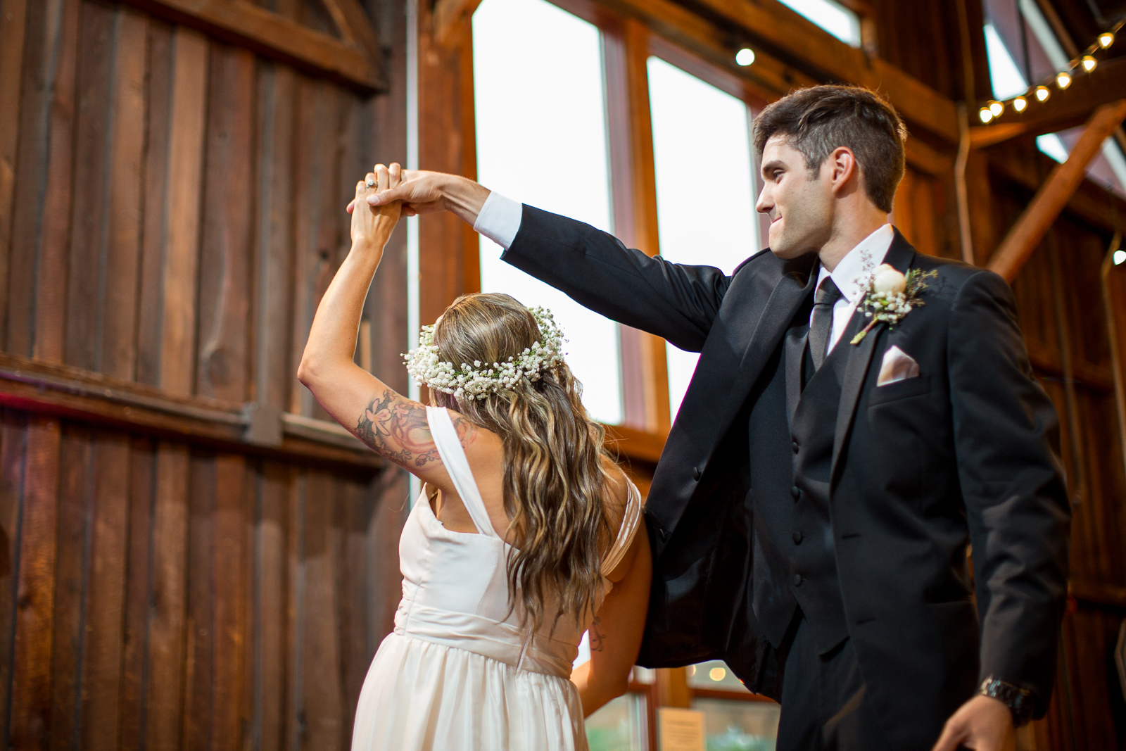 Four_Wings_Photography_Wedding_Red_Barn_at_Hampshire_College-37.jpg