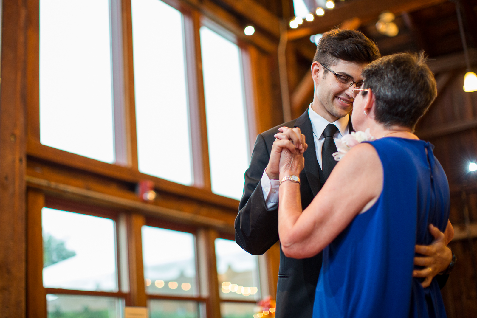 Four_Wings_Photography_Wedding_Red_Barn_at_Hampshire_College-40.jpg