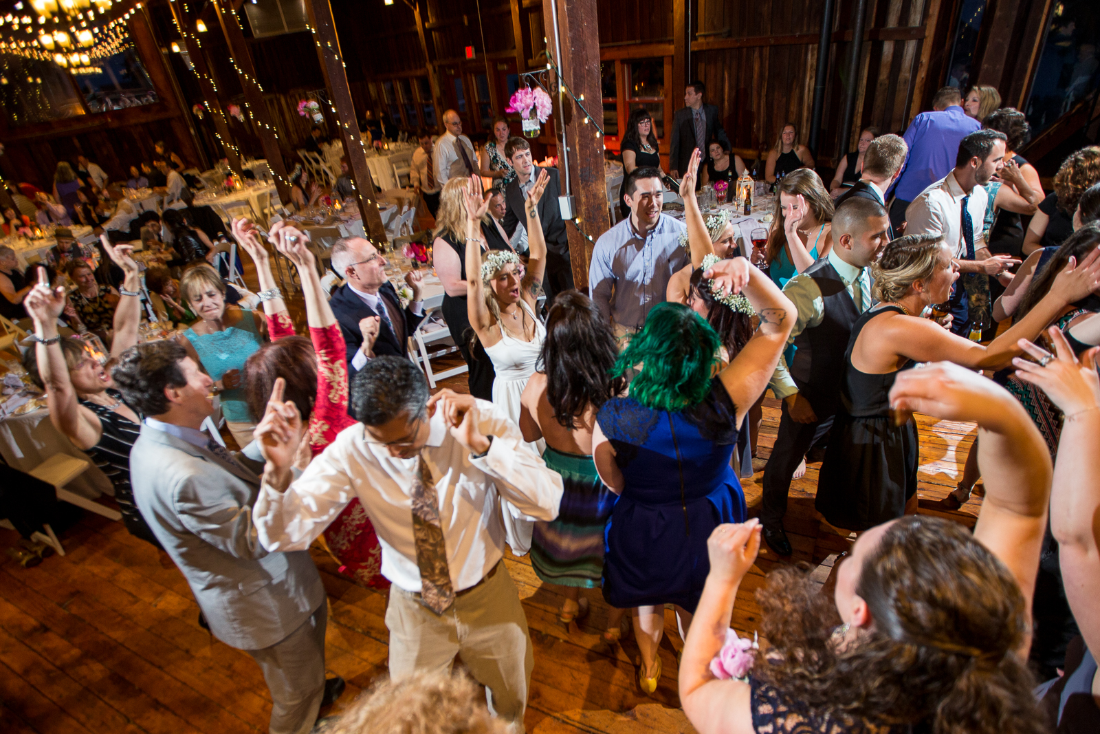 Four_Wings_Photography_Wedding_Red_Barn_at_Hampshire_College-51.jpg