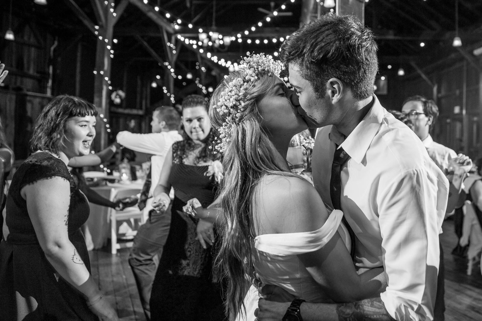 Four_Wings_Photography_Wedding_Red_Barn_at_Hampshire_College-62.jpg