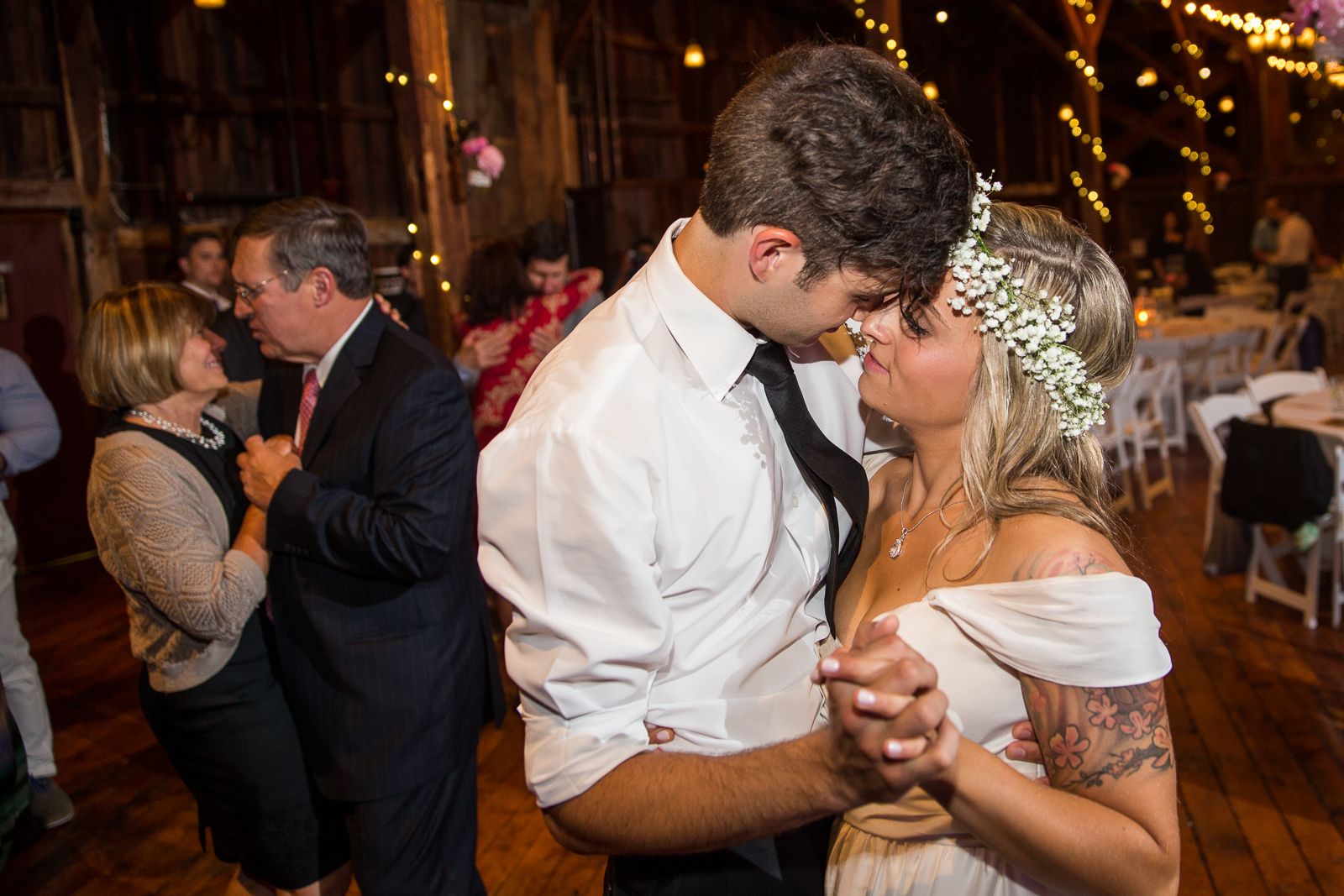 Four_Wings_Photography_Wedding_Red_Barn_at_Hampshire_College-63.jpg