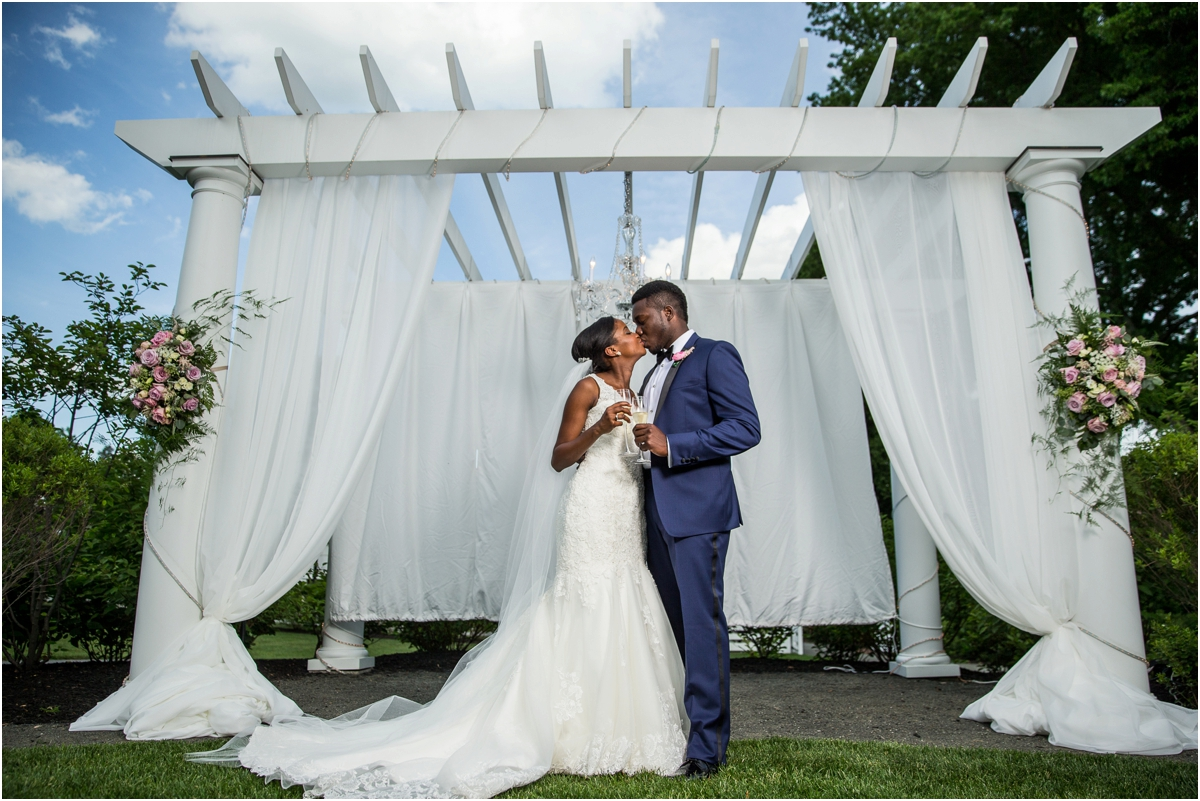 Lord-Jeffery-Inn-Wedding-Four-Wings-Photography_0030.jpg