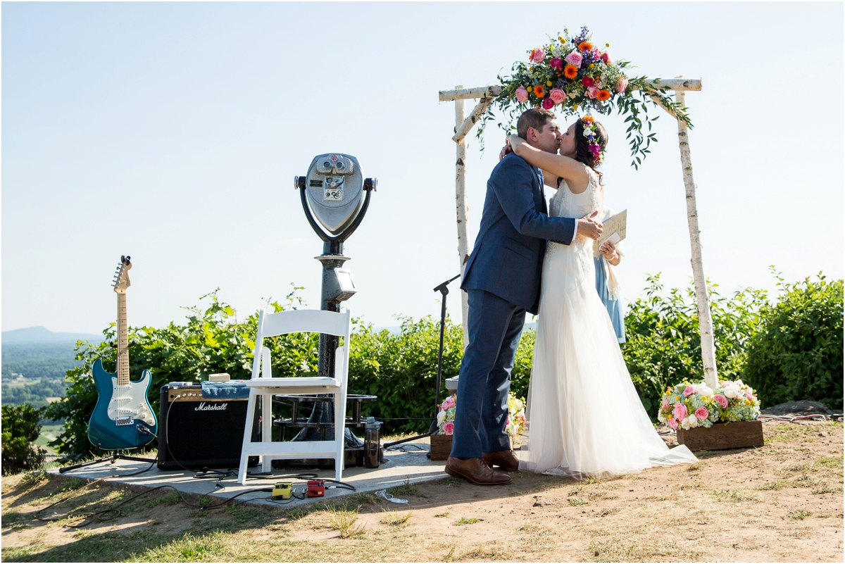 Wedding-at-Lord-Jeffery-Inn-Four-Wings-Photography_0024.jpg