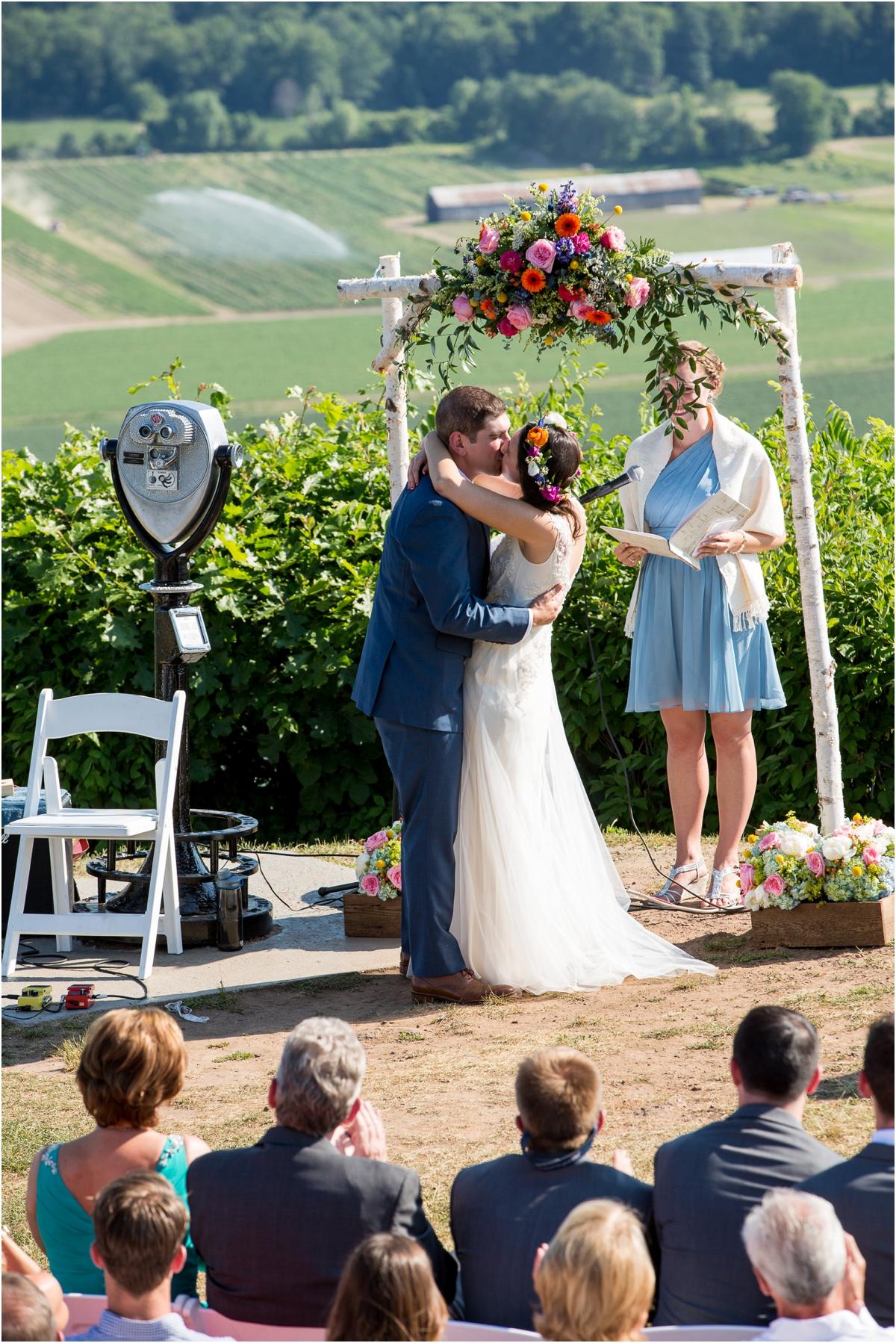 Wedding-at-Lord-Jeffery-Inn-Four-Wings-Photography_0025.jpg
