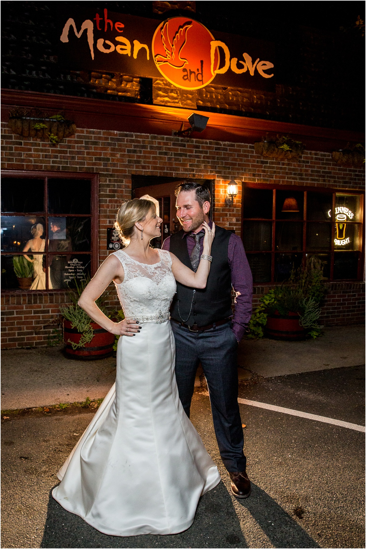 Wedding-at-the-Red-Barn-at-Hampshire-College-Four-Wings-Photography_0088.jpg