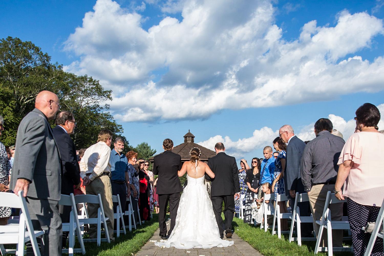 ZukasFarm_Spencer_MA_Wedding_Fourwingsphotography-23.jpg
