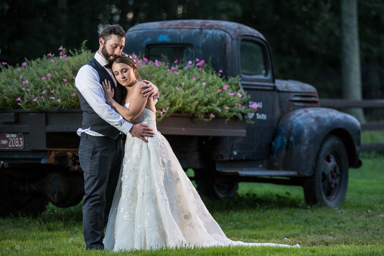 ZukasFarm_Spencer_MA_Wedding_Fourwingsphotography-35.jpg