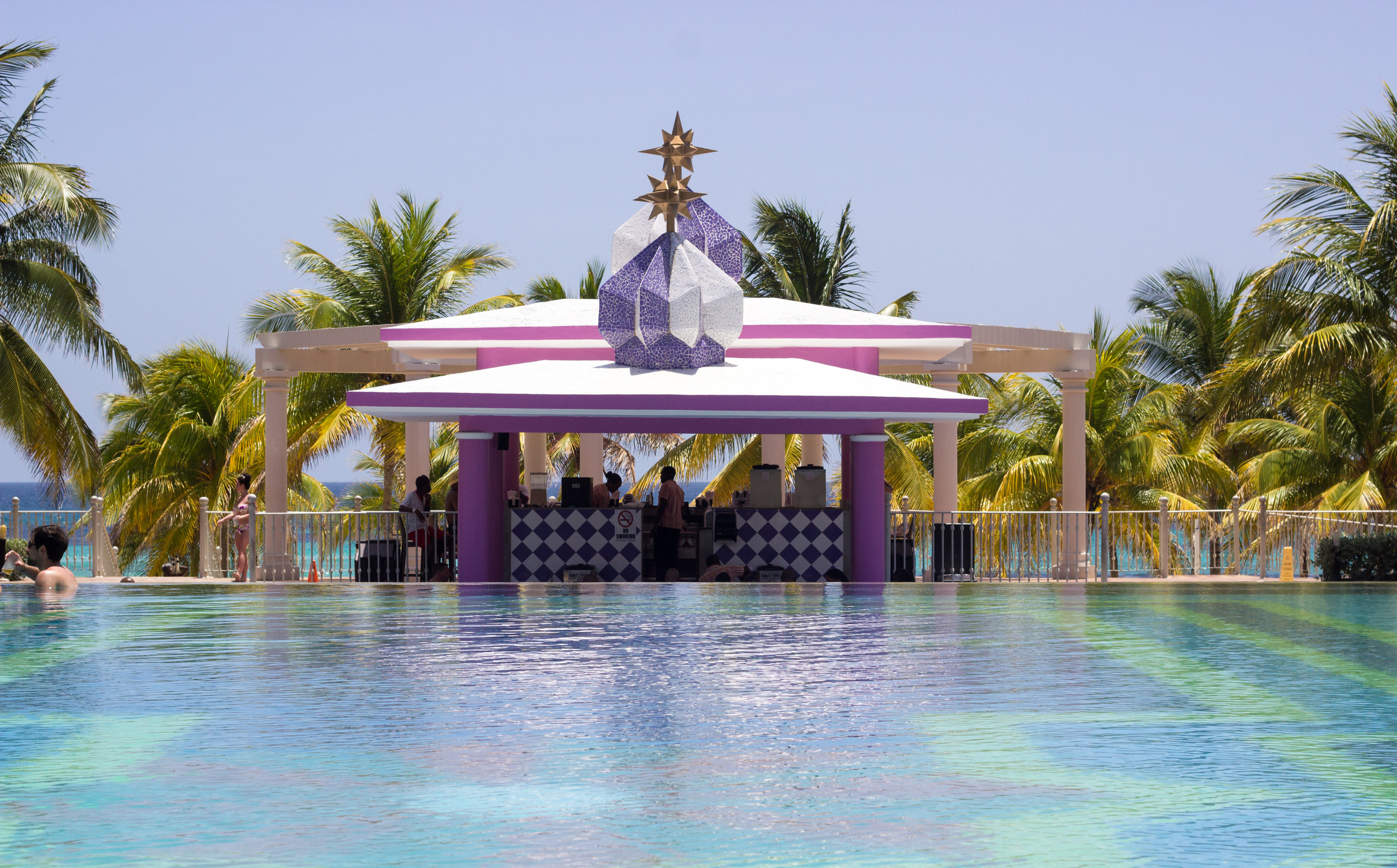 POOL SIDE AT THE RIU