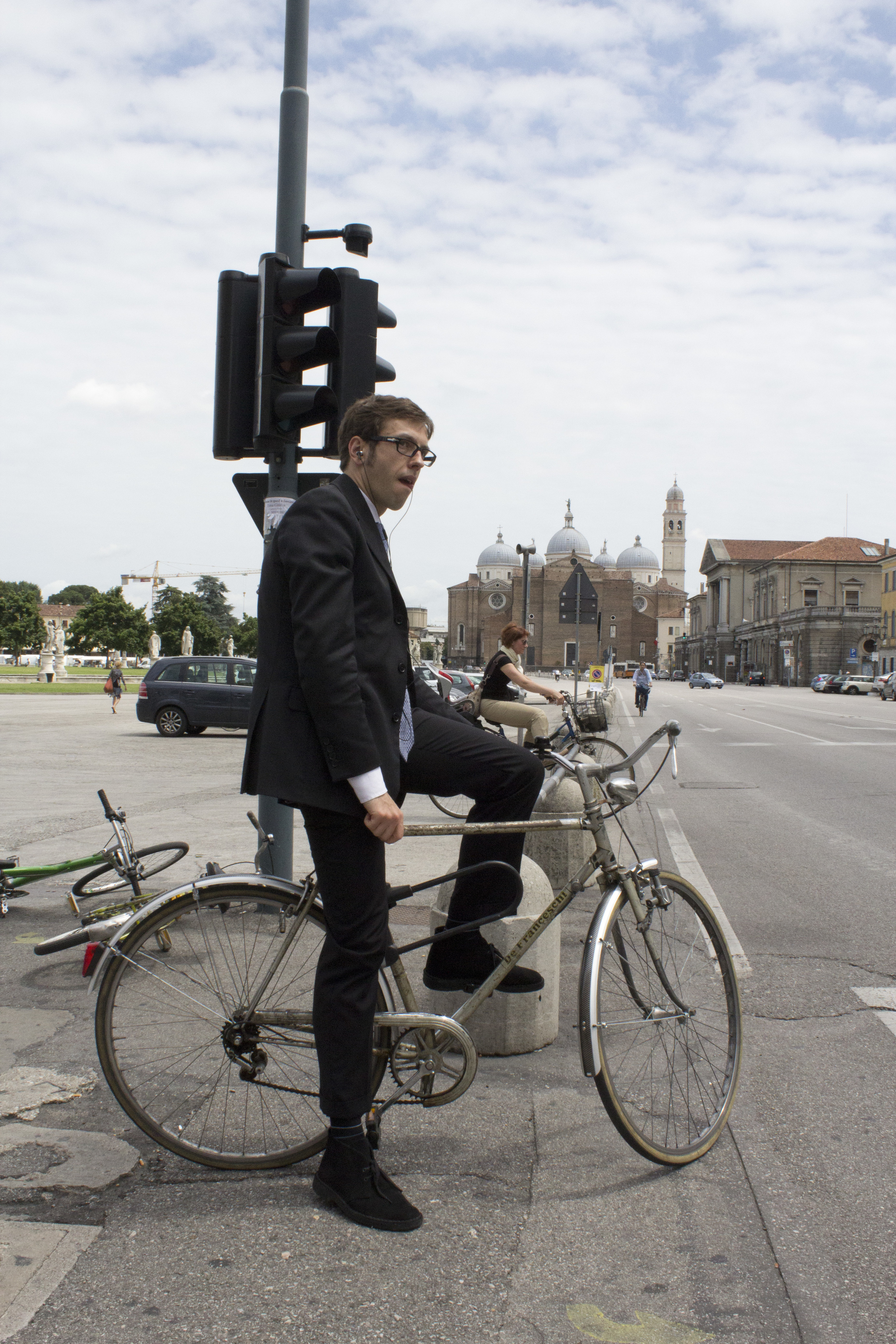 Man on Bike, Verano