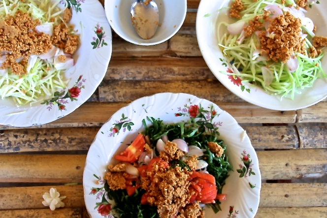 As seen in Bagan: pennywort, green mango and cucumber, all with peanuts.