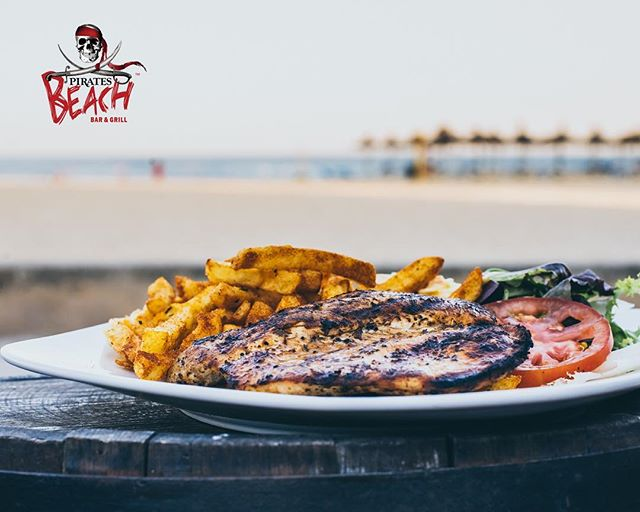 This is one for our regulars and those that know the menu well! 2 questions,  1:  What's the 1 thing you would keep on the menu if we had to remove everything else?? 2:  What's the 1 thing you add to our menu that we don't already have on there?? Answers in the comments please 😁  #piratesbeachbar #magaluf #magaluf2017 #mallorca #foodies #foodiesofinstagram #pirateslifeforme #pirates