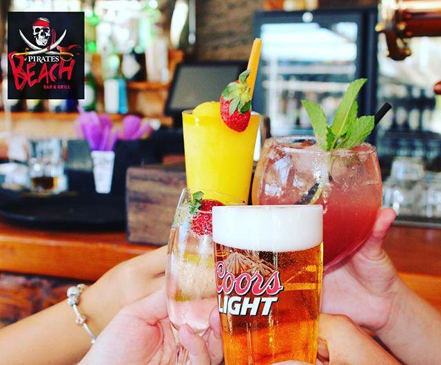 CHEERS! to a great weekend in the ☀️☀️☀️ #piratesbeachbar #cheers #magalufbeach #cocktails #sunshine #summer #magalluf #palmanova #mallorca #majorca #calvia #pirates
