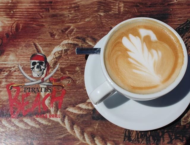 See 👀👀 it's not all about cocktails and wine! We also do fantastic coffee 😁 #piratesbeachbar #magaluf #magalufbeach #mallorca #summer #coffee #maga #magaluf2017