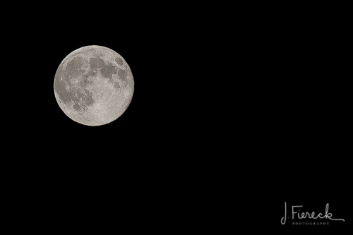 Taking good quality images of the moon requires a telephoto lens (minimum 200mm) and a tripod.
