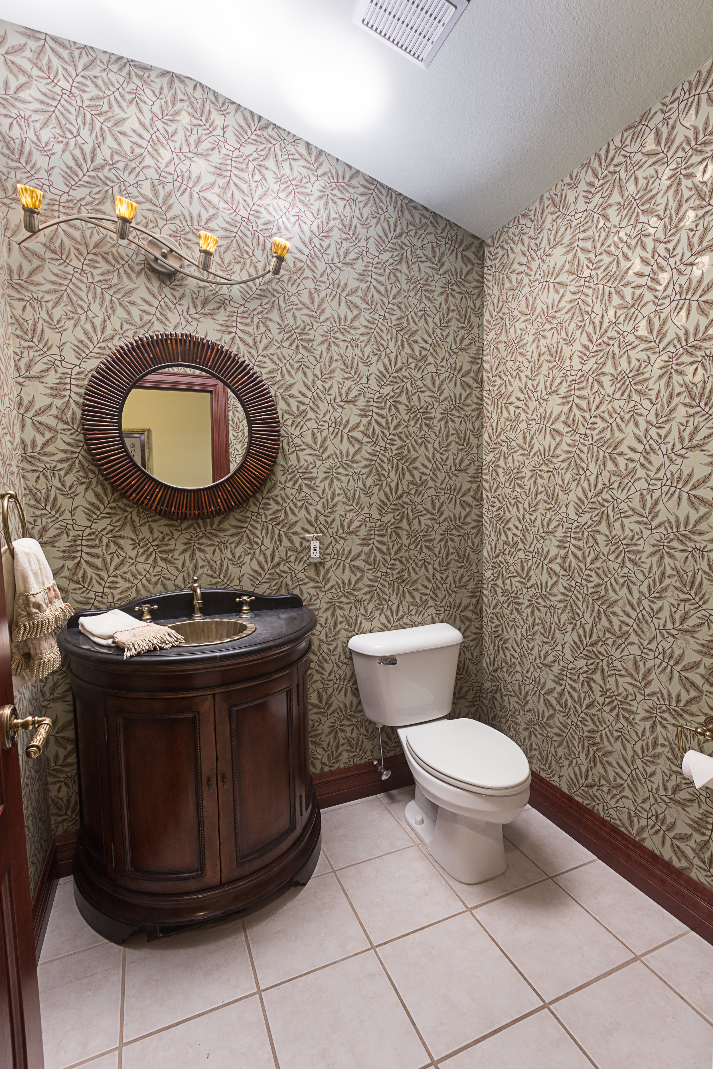 Bathroom3 - Copy.jpg