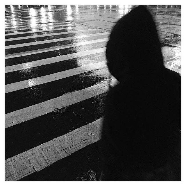 #blackandwhite #lightandshadow #blackandwhitephotography #rainynight #hoodie #silhouette