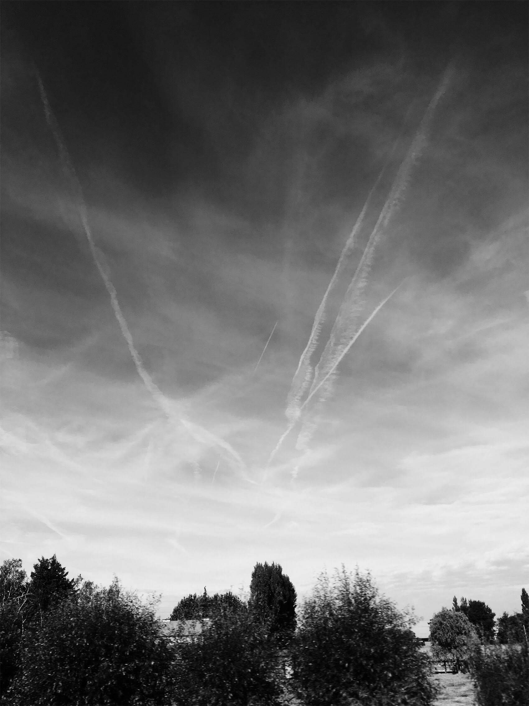 MY FIRST GROUND VIEW OF THE E.U. CHEMTRAIL GRID   9/19/2016    —Ghent, East Flanders,Belgium