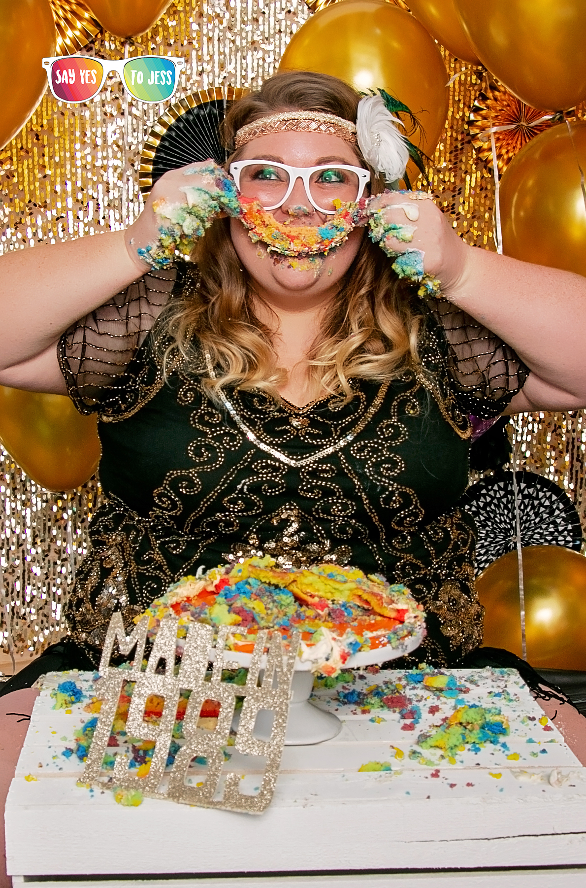 Cincinnati Ohio Adult Cake Smash happy 30th Birthday.jpg