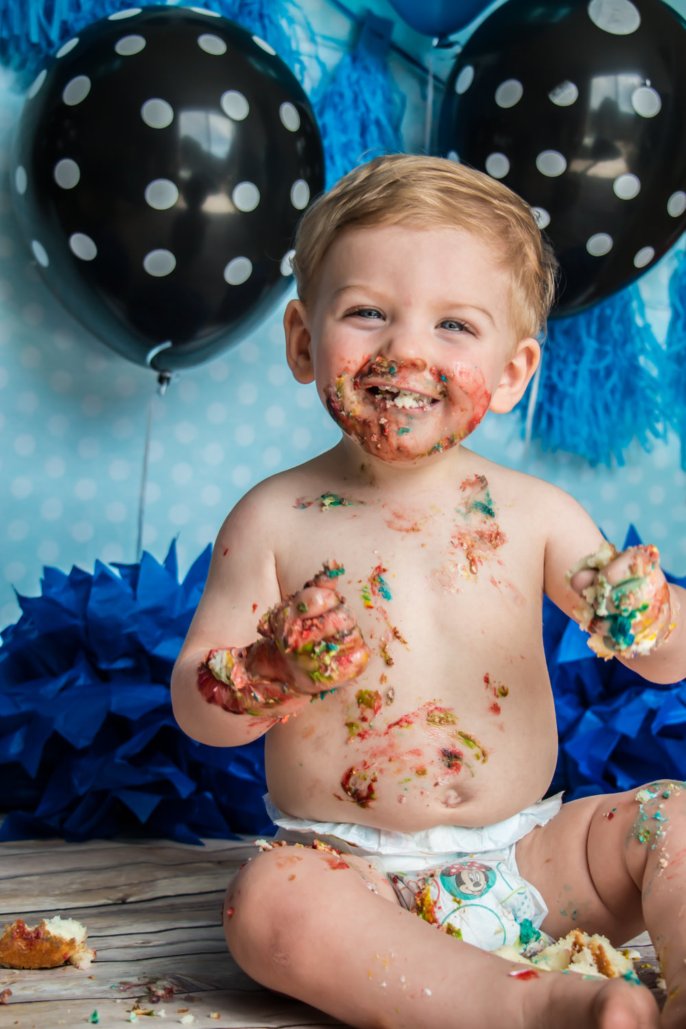 One Year old cake smash by Say Yes To Jess