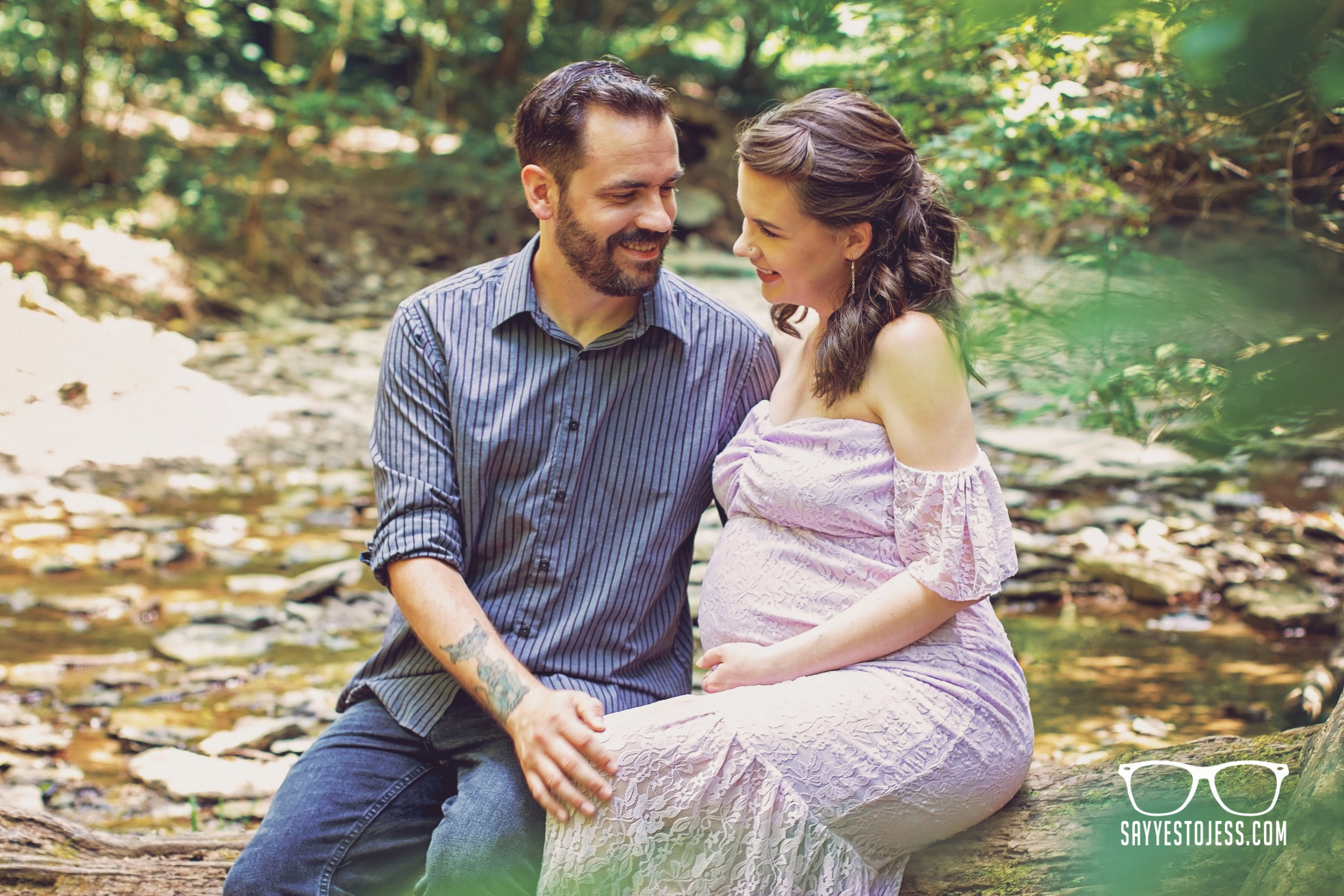 Cincinnati Family Photographer Jess Summers of Say Yes To Jess Captures stunning Maternity photos for new moms in Cincinnati Ohio.jpg