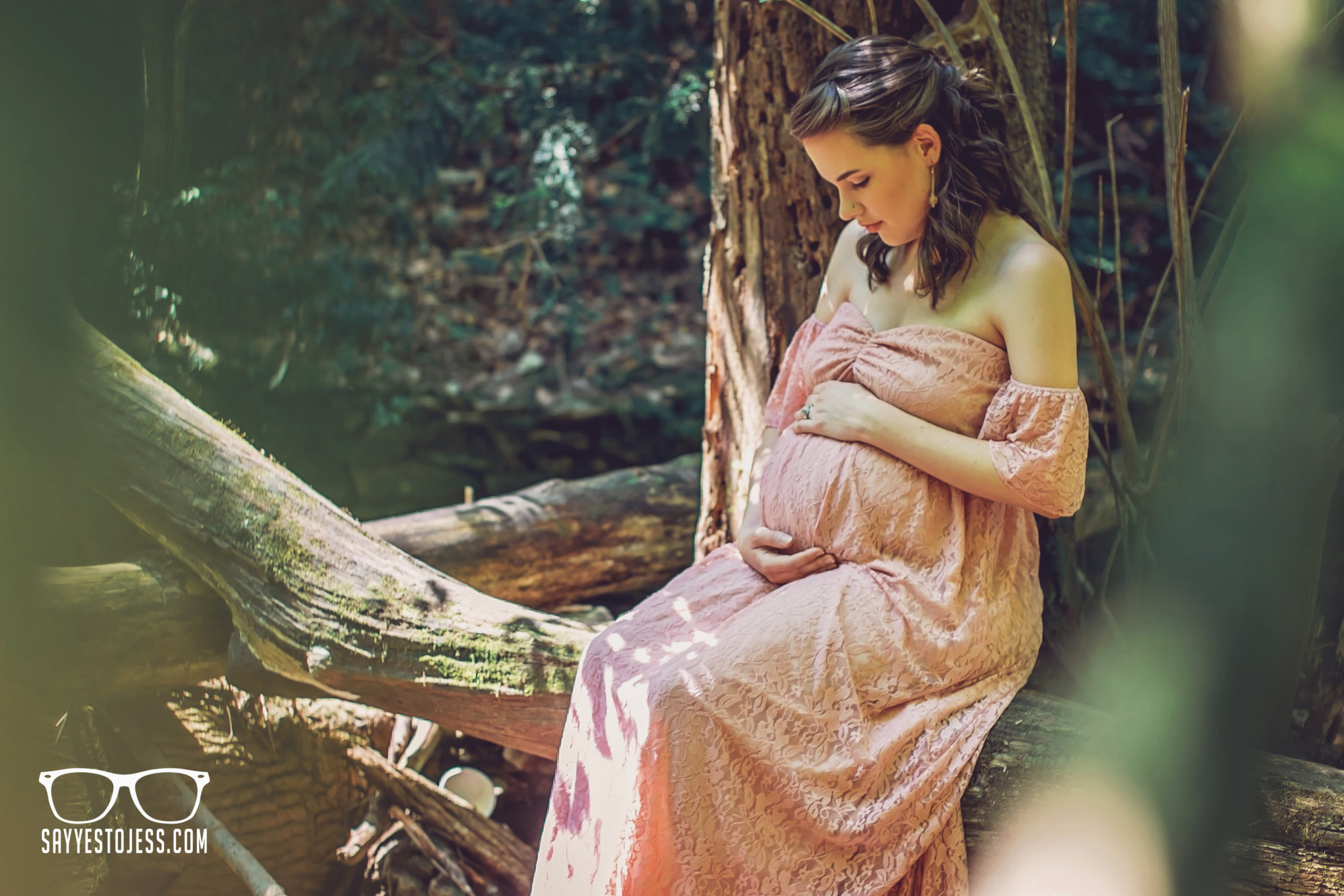 Maternity Photography in Cincinnati Ohio by Jess Summers of Say Yes To Jess.jpg