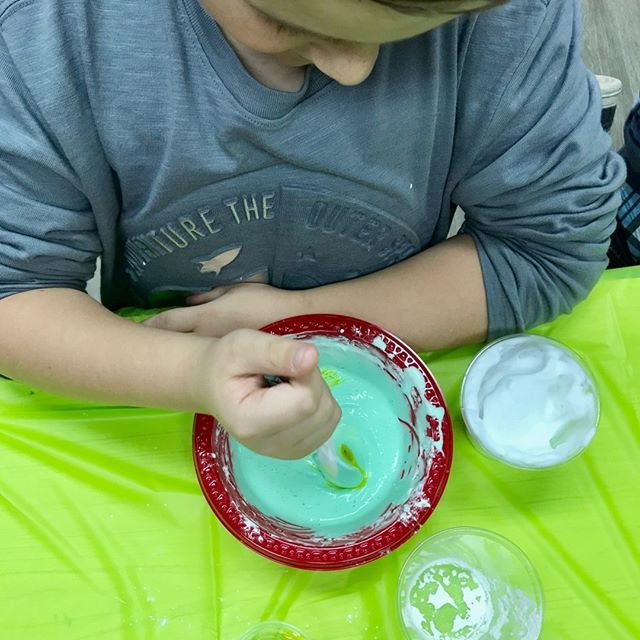 Happy Friday! gearing up for a weekend of parties and meeting curious and awesome kids! ⠀⠀⠀⠀⠀⠀⠀⠀⠀ ⠀⠀⠀⠀⠀⠀⠀⠀⠀ ⠀⠀⠀⠀⠀⠀⠀⠀⠀ ⠀⠀⠀⠀⠀⠀⠀⠀⠀ #stemkids #scienceparties #kidpartyideas #eventplanners #dmvkids #slimeparty #slime #chemistryparty #igkids #igparties #igmoments #volcanoexperiment #momsoninstagram #science