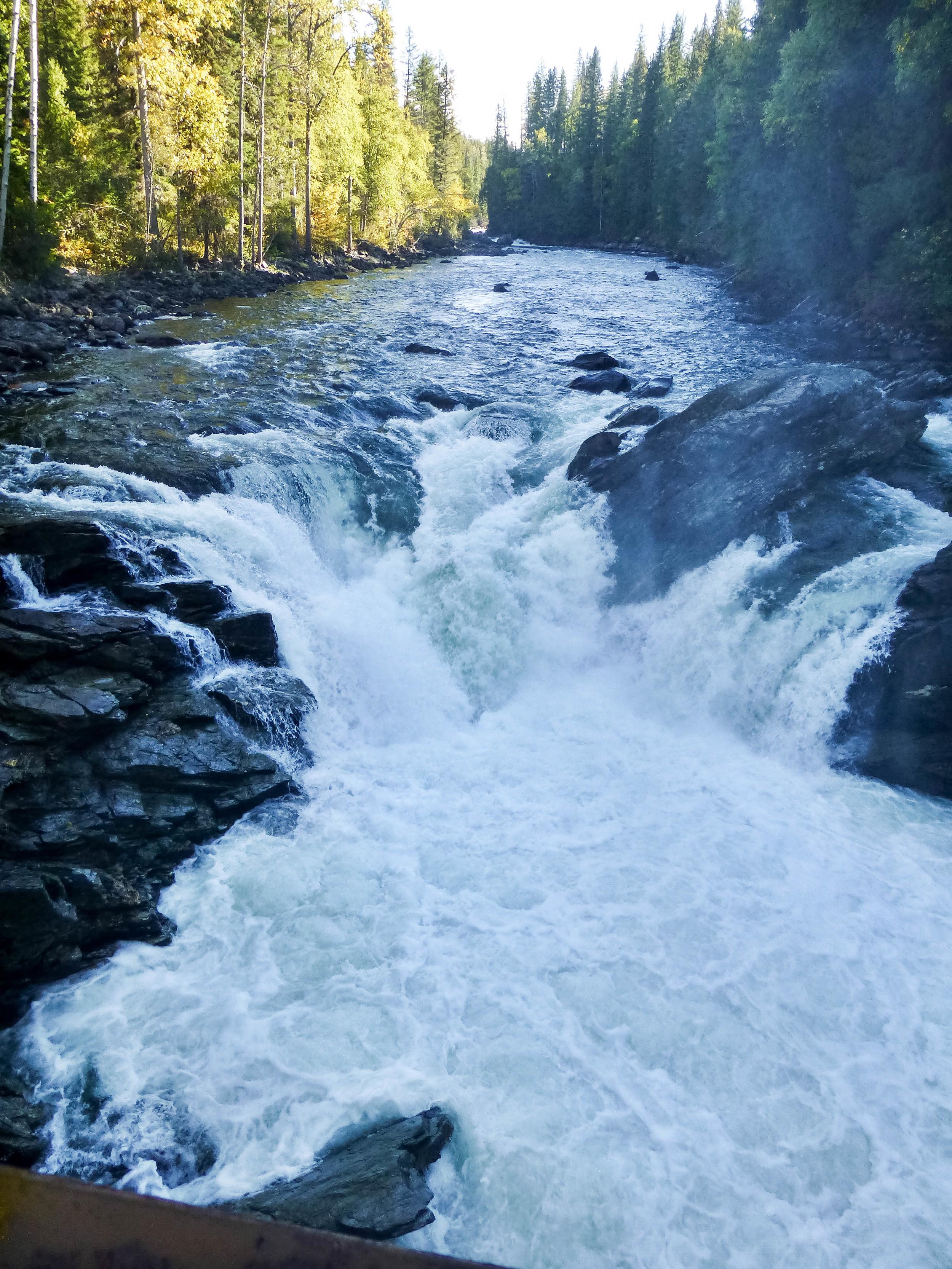 North Thompson River falls