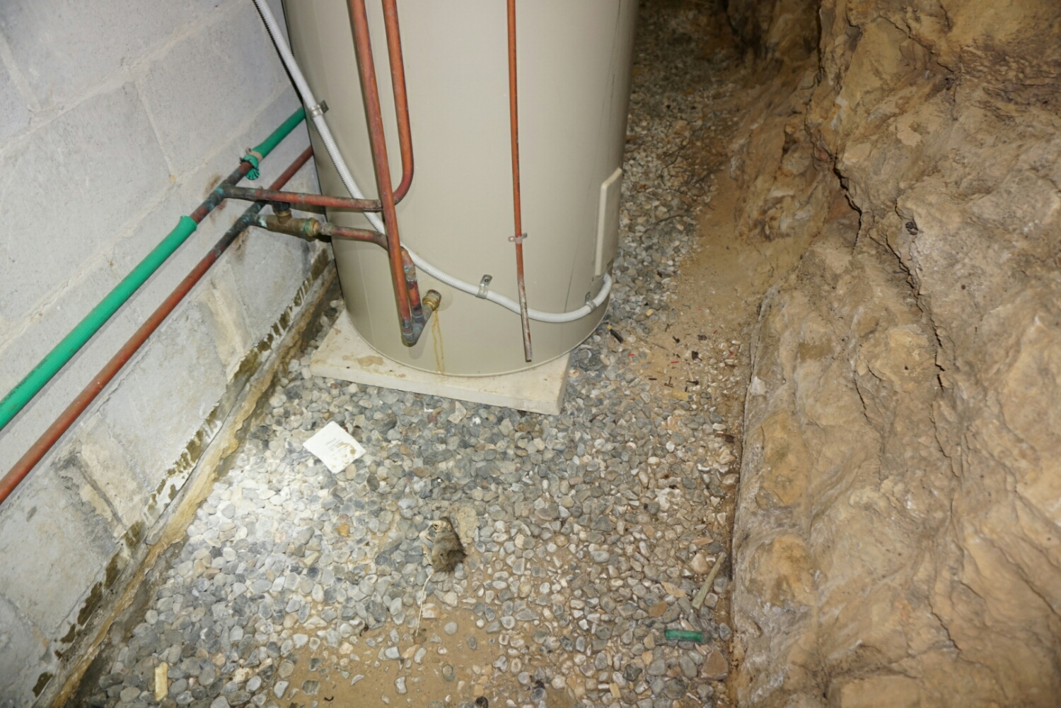 Even concealed hot water units have insufficient drainage.