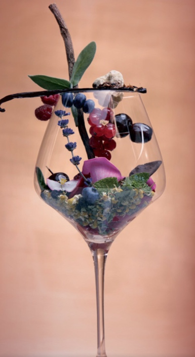 A glass of wine can contain a complex combination of aromas and flavors. (Photo:  Pelissero Vitivinicola )