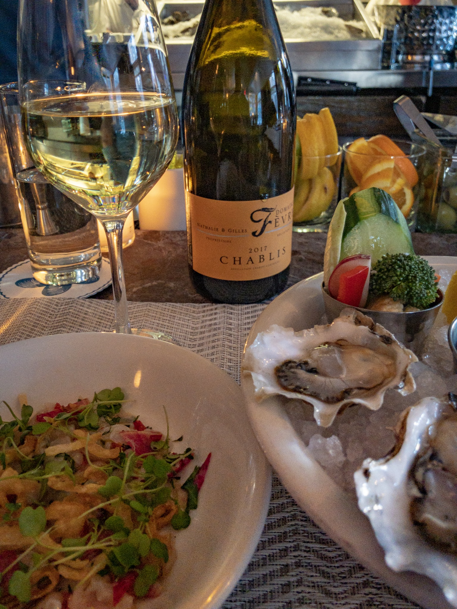 Chablis and Oysters at The Clam (c) Lyn Farmer 2019