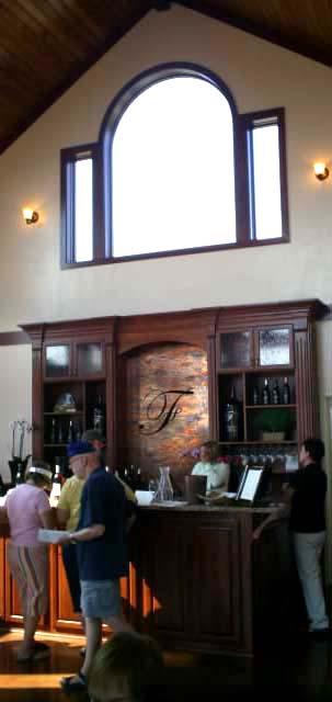 traditional-winery-bar-design-folin-cellars-or