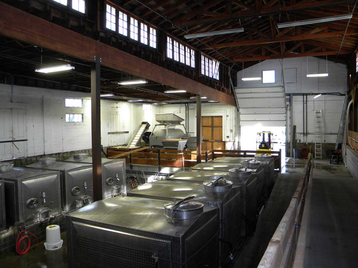 medford-oregon-winery-design-in-historic-building.jpg
