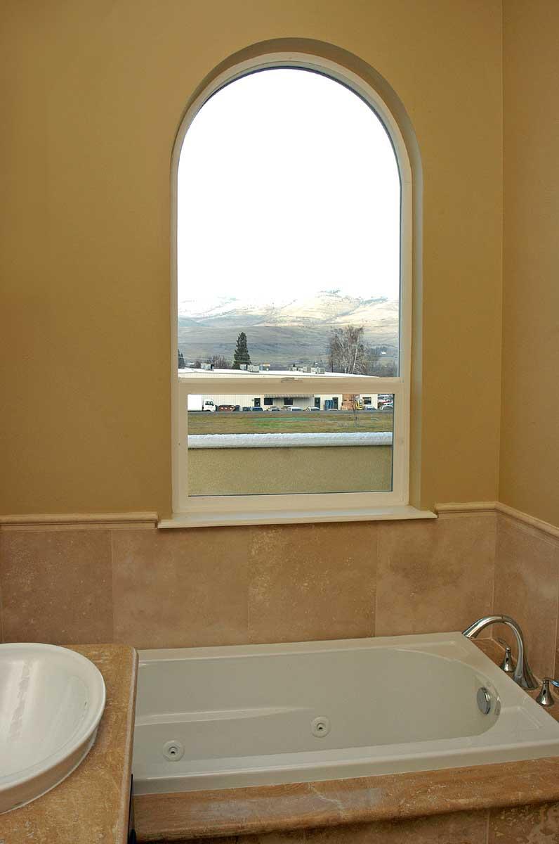condominium-bathroom-design-southern-oregon