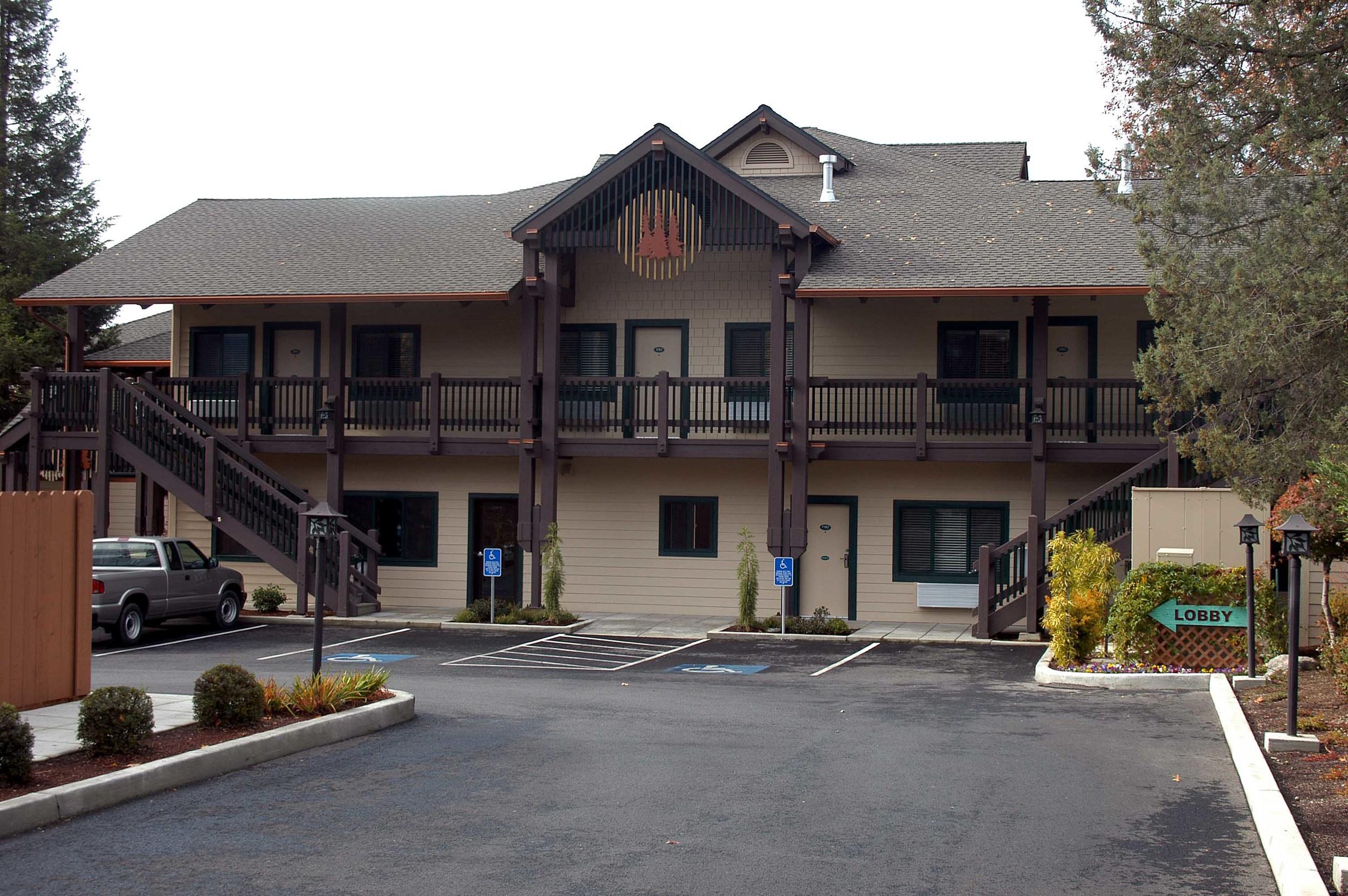 Redwood Motel, New Building B Grants Pass, Oregon Heiland Hoff, Project Architect