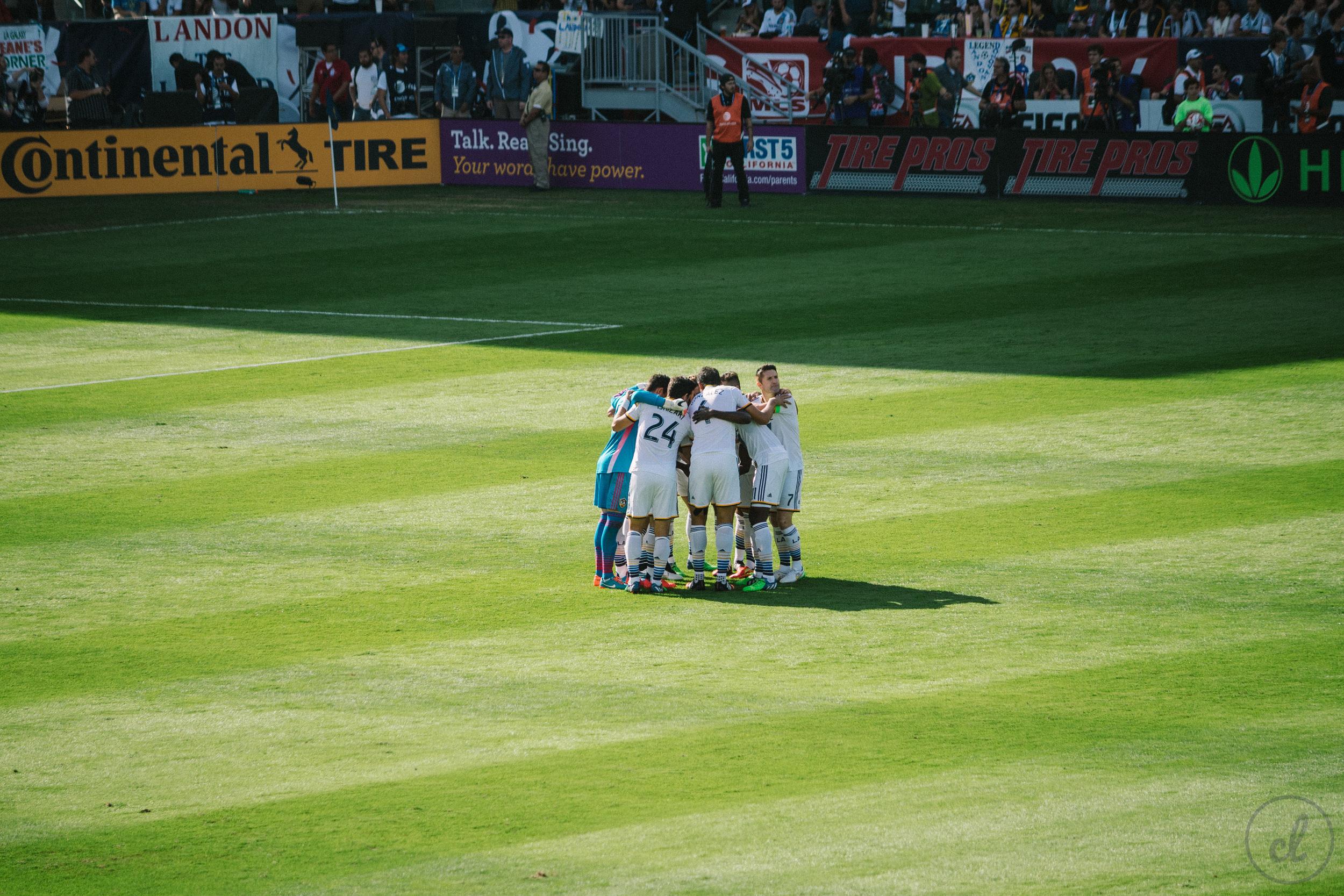 LA-Galaxy-Huddle-MLS-Cup