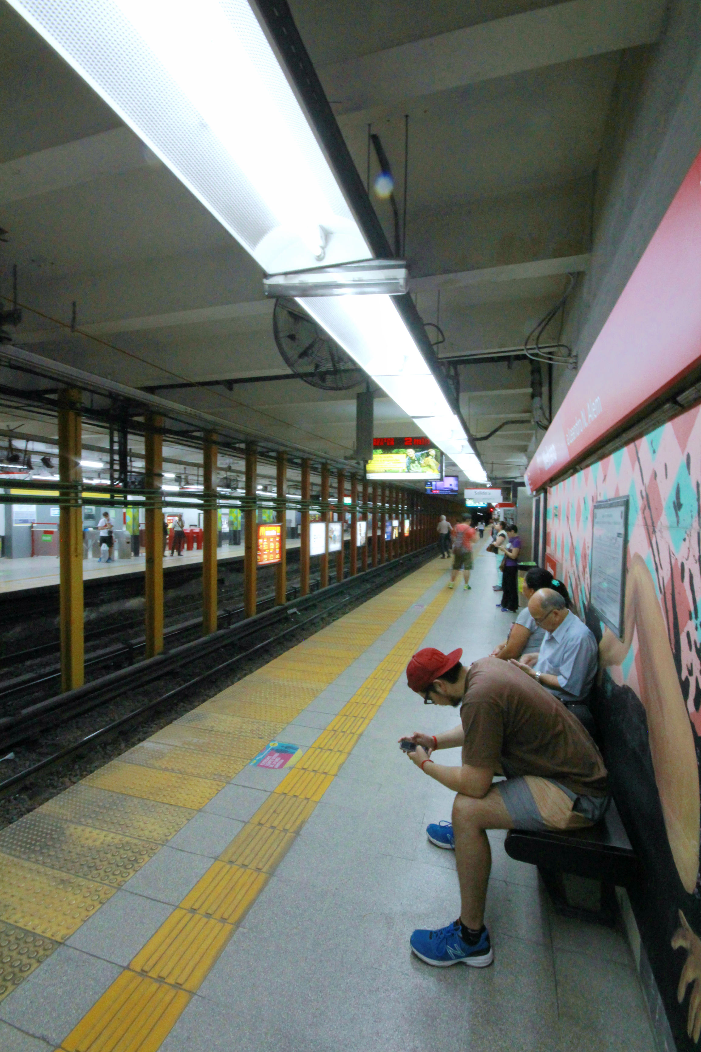 From Palermo we could catch the Metro Linea B into the centre of town.