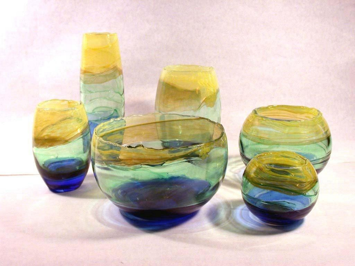 Colored Glass vase Awards 3.jpg