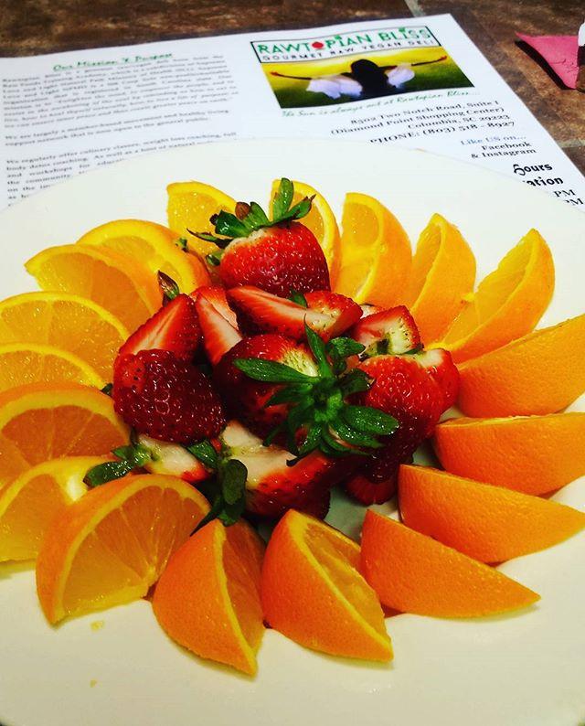 Happy Citrusy. Thursday @ Rawtopian Bliss 💖💕💞