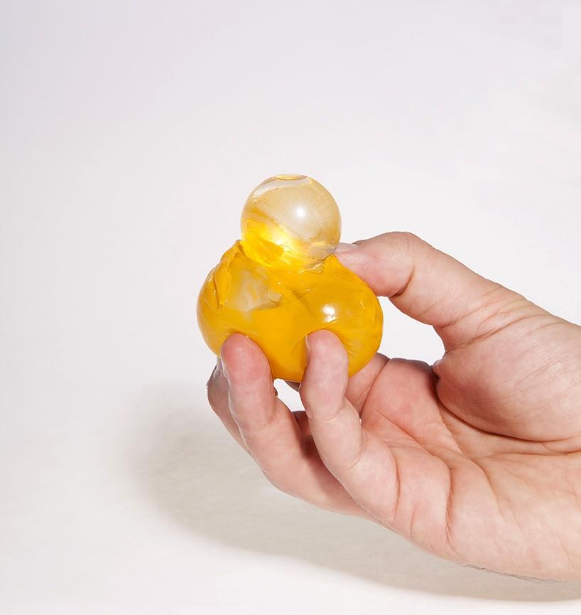 skipping-rocks-lab-ooho-sustainable-packaging-visualatelier8-3.jpg