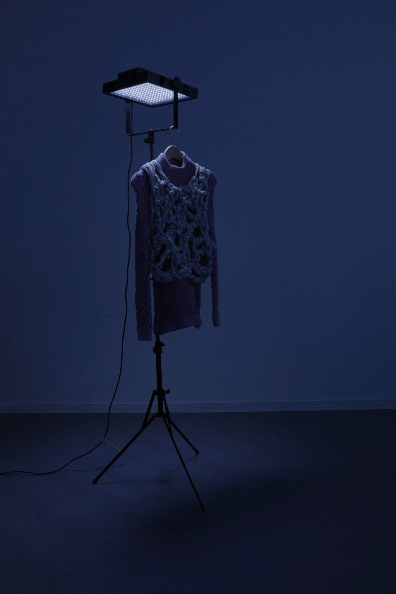Eva Sonneveld-Survival Constructions-Visual Atelier 8-Design-Fashion-Future-3.jpg
