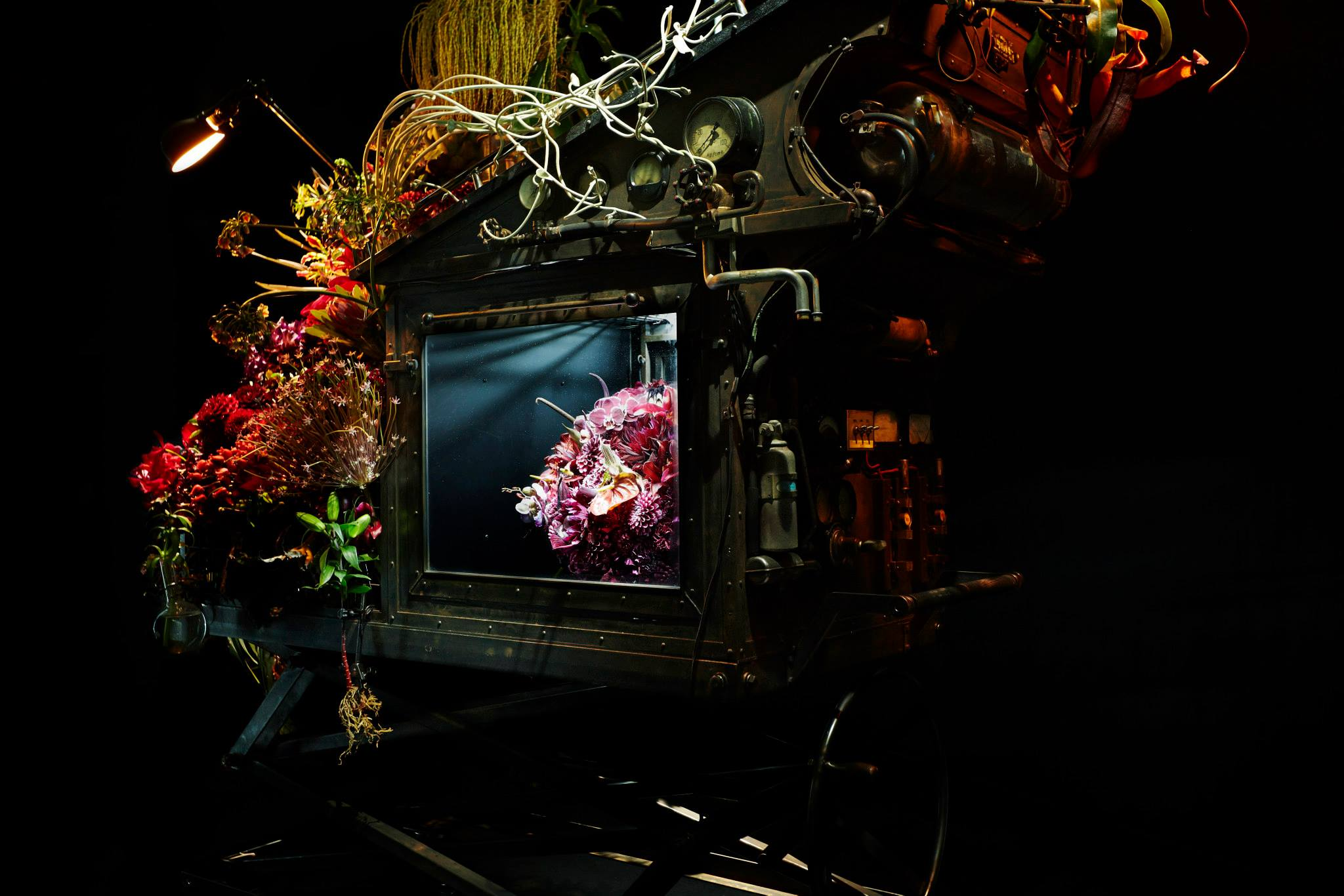 Azuma Makoto-Visual Atelier 8-Flowers-Art-10.jpg