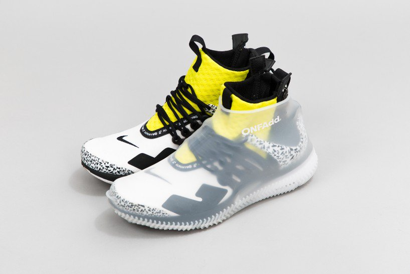 onfadd-rain-socks-visual atelier 8-fashion-innovative-5.jpg