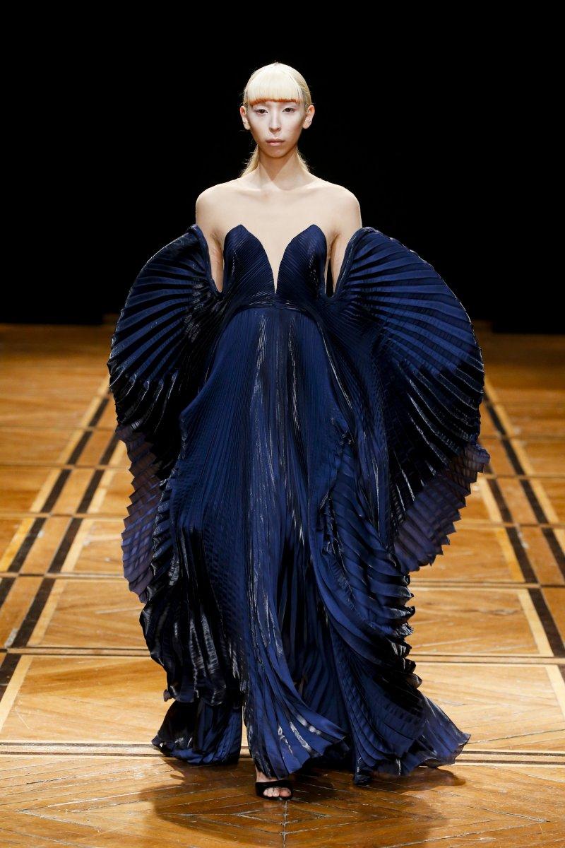 Iris van Herpen-SHIFT SOULS-Visual Atelier 8-Fashion-1.jpg