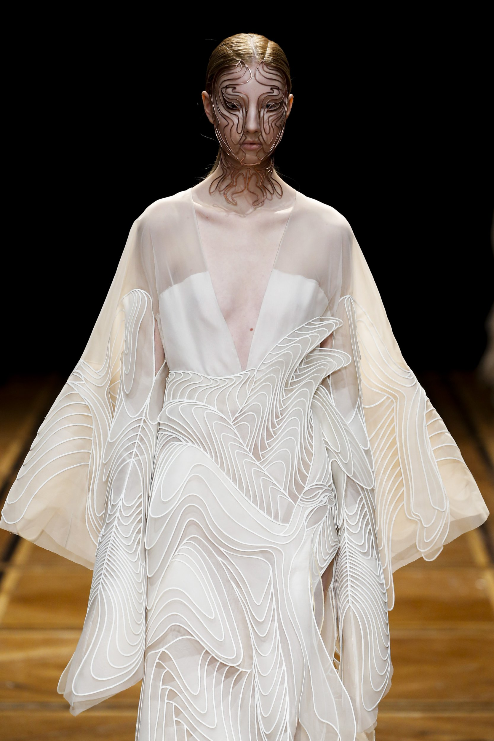 Iris van Herpen-SHIFT SOULS-Visual Atelier 8-Fashion-4.jpg